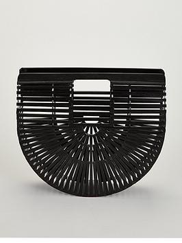 I am a Basket Lover! Qui Qui!